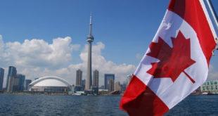 كندا ترغب في استقبال 300 ألف مهاجر عام 2017