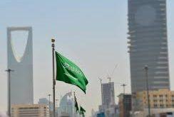 إيقاف مسؤولين سعودين كبار ورجال أعمال بتهم صفقات وهمية واختلاسات وغسيل أموال